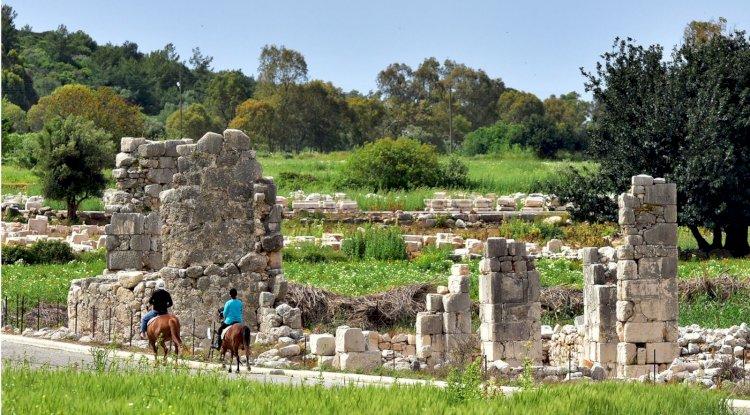 Patara Antik Kenti Fotoğrafları -  Likya Duvarı