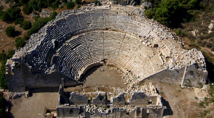 Patara Antik Tiyatrosu - Patara Antik Tiyatro Fotoğrafları - Kuş Bakışı