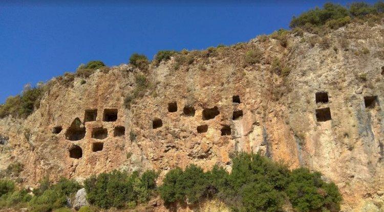 Kaş İkizce Köyü - Kaş İkizce Mahallesi - Likya Kaya Mezarları